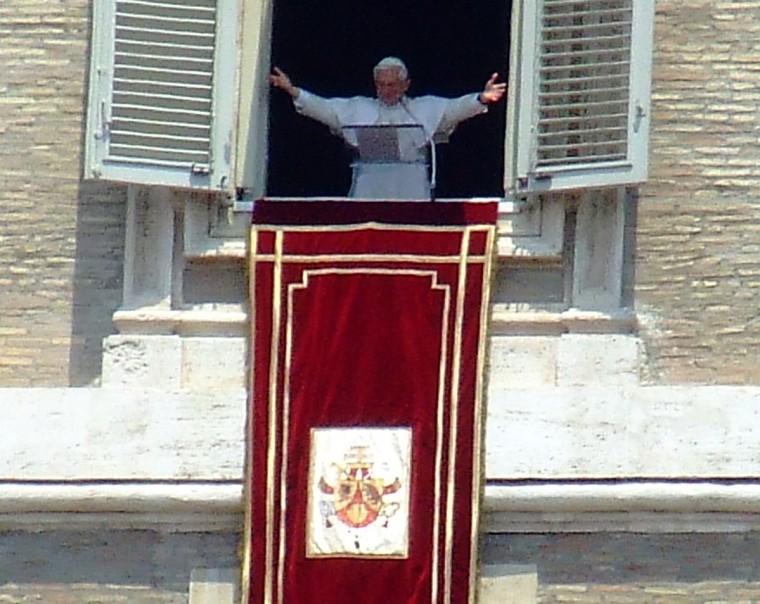 A sa fenêtre, combien de millions de pèlerins n'a-t-il pas ainsi accueillis?