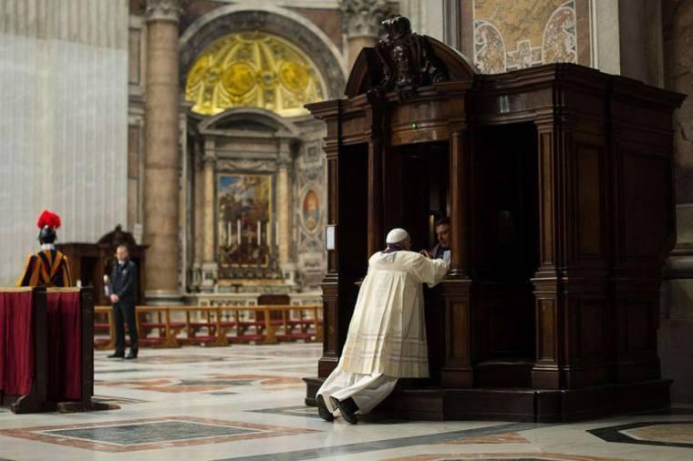 PapeConfession2