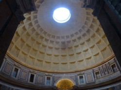 Le Panthéon, unique temple antique arrivé intact jusqu'à nous !