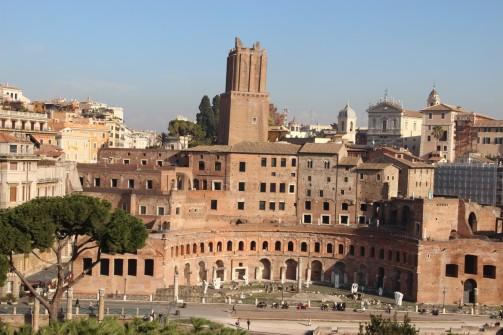 Vers les Marchés de Trajan et le forum du même empereur
