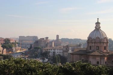 Vers le Forum, Sainte-Françoise-Romaine et le Colisée