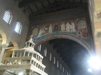 Mosaïque de l'arc triomphal et sommet du baldaquin