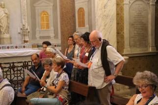 Saint-Yves-des-Bretons - La confrérie chante en breton !