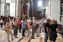 Saint-Pierre-au-Vatican - Un groupe attentif !