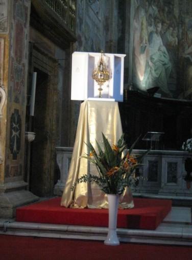 Messe au Sanctuaire de la Divine Miséricorde (Rome) - Relique de sainte Faustine
