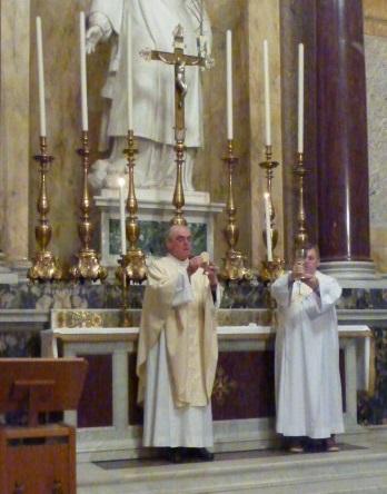 Le doyen Nicolas Peters célèbre à Saint-Paul-hors-les-Murs